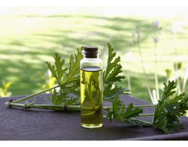 Les huiles essentielles pour soigner la peau